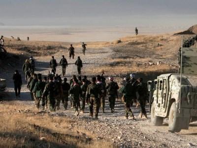 """EI recruta """"crianças soldados"""" a partir de 9 anos para a guerra"""