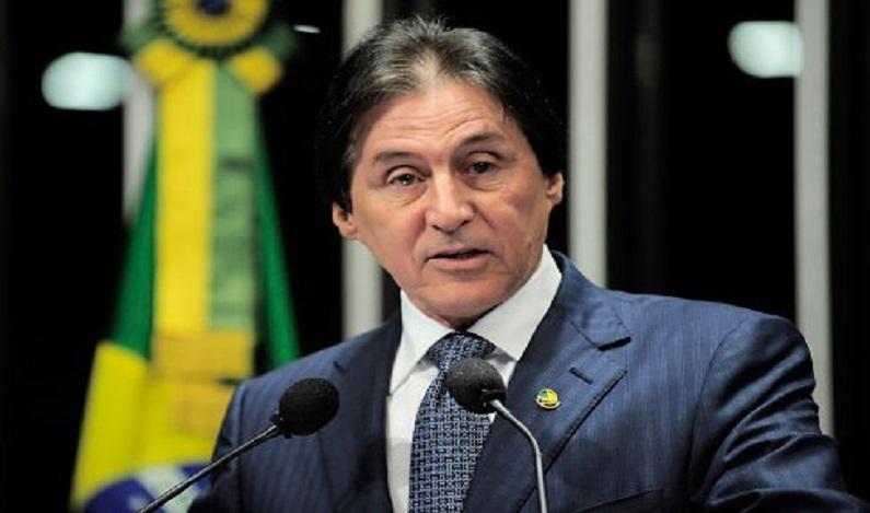 Eunício Oliveira é eleito presidente do Senado com 61 votos