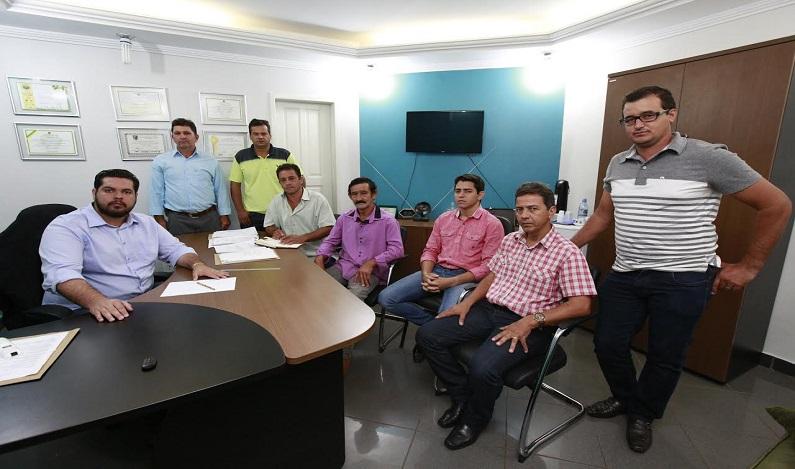 Jean Oliveira recebe vice-prefeito e vereadores eleitos de Novo Horizonte