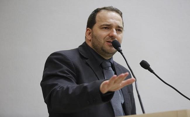 Deputado Alex Redano promete continuar fiscalizando, e cobrando obras paradas, em RO