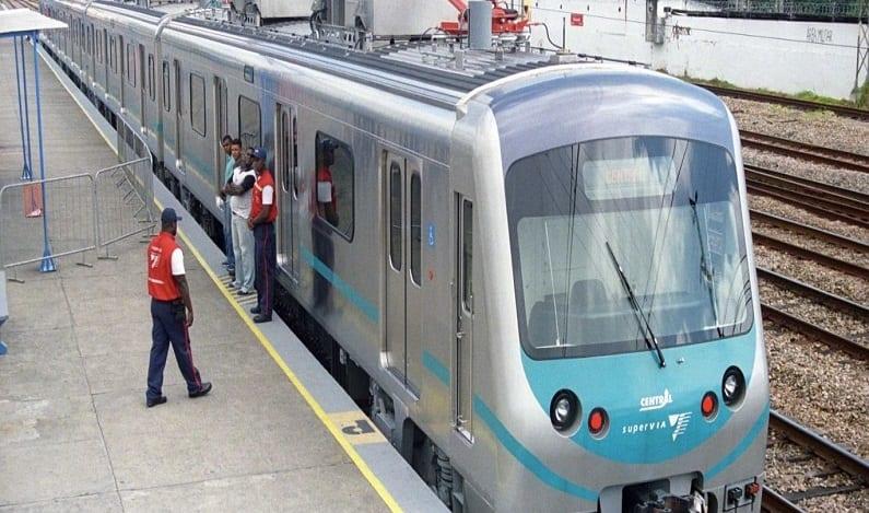 SuperVia paralisa tráfego de trens na linha de Honório Gurgel