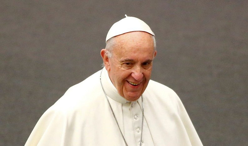 Papa diz que receber 'parabéns' antecipadamente dá azar