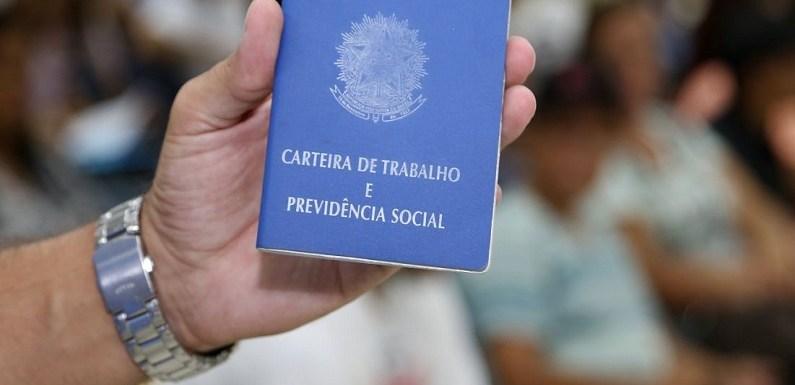 No Brasil, 37 mil aderiram a demissões voluntárias em estatais