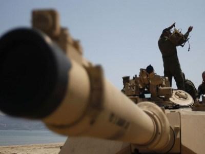Paquistão ameaça Israel com armas nucleares após artigo falso