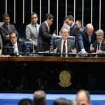 Senado aprova PEC do teto por 53 votos a favor e 16 contra