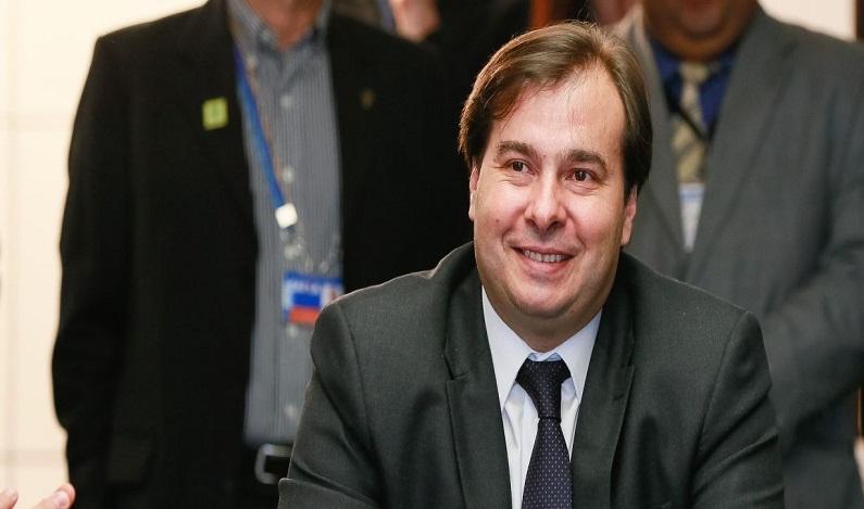Rodrigo Maia assina ordem de serviço para último trecho da transposição do São Francisco
