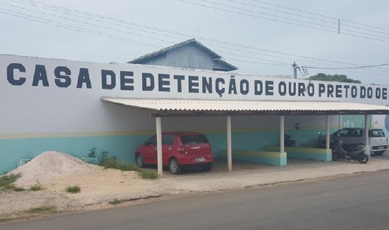 Presidiário é agredido após revelar possível fuga em presídio de RO