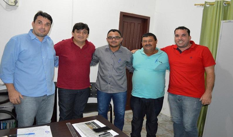Cleiton Roque visita prefeito e vereador de Primavera e garante benefícios