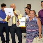 Cleiton Roque participa de entrega de títulos definitivos a famílias de Pimenta