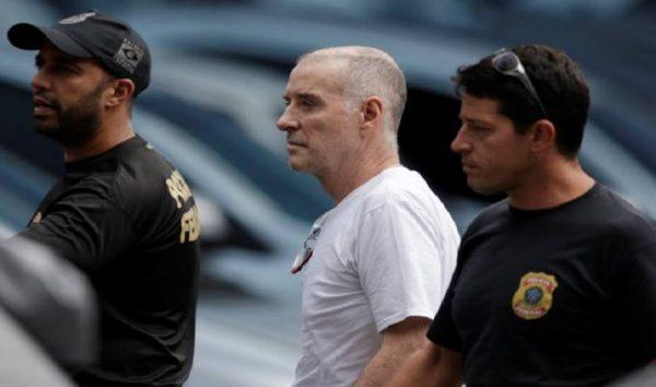 Eike chega à sede da PF para depor; advogado descarta delação