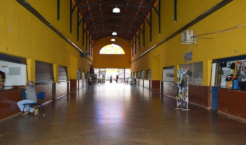 Comerciantes com boxes fechados podem perder licença em mercado de Porto Velho