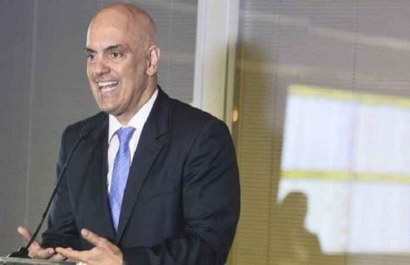 Alexandre Moraes passa por 'sabatina informal' em barco de senador