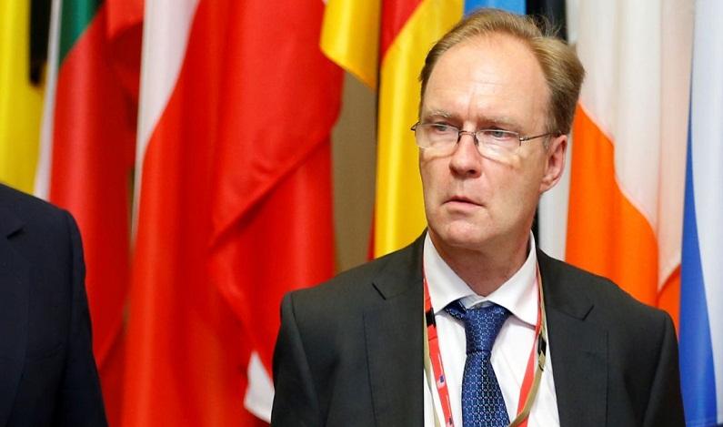Embaixador britânico na UE renuncia ao cargo