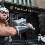 Depoimento de Eike Batista à PF tem até homem fantasiado de Thor