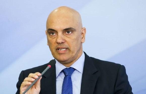 Alexandre Moraes apoia bloqueios judiciais ao WhatsApp