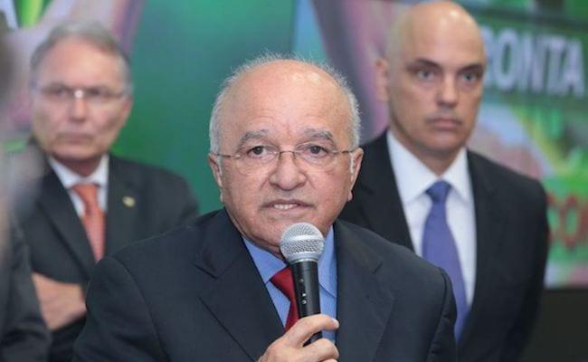 Governo do AM determina apoio aos funerais de detentos e trâmites de indenizações