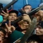 "Em Manaus, camelô vende DVD da barbárie: ""FDN x PCC"""