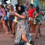Mulheres fazem vigília em frente ao presídio de Alcaçuz