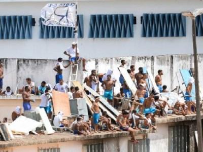 Após entrada do Bope, presos saem do telhado de presídio no Rio Grande do Norte