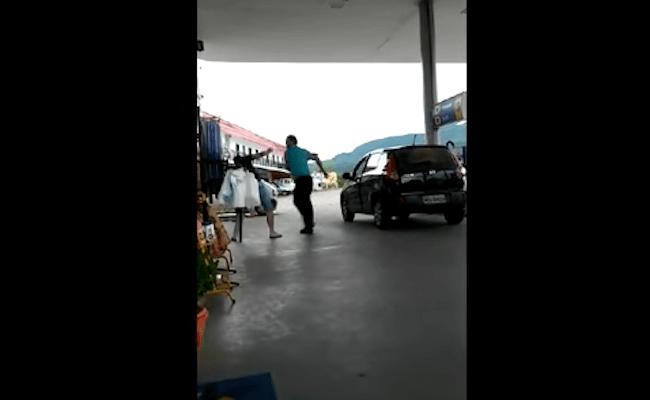Vereador apanha na cara por não cumprir promessas de campanha; vídeo