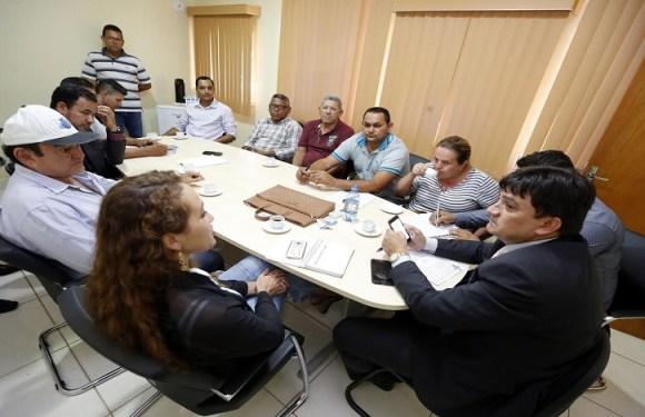 Cleiton Roque recebe comitiva de Candeias e destina emendas