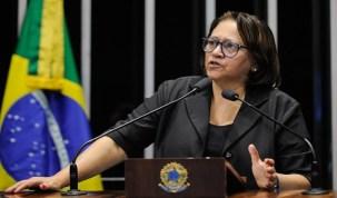 Senadora Fátima Bezerra critica reforma da Previdência: 'massacre dos professores'