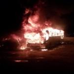 Incêndio destrói 21 ônibus em garagem de empresa em São José dos Campos, SP