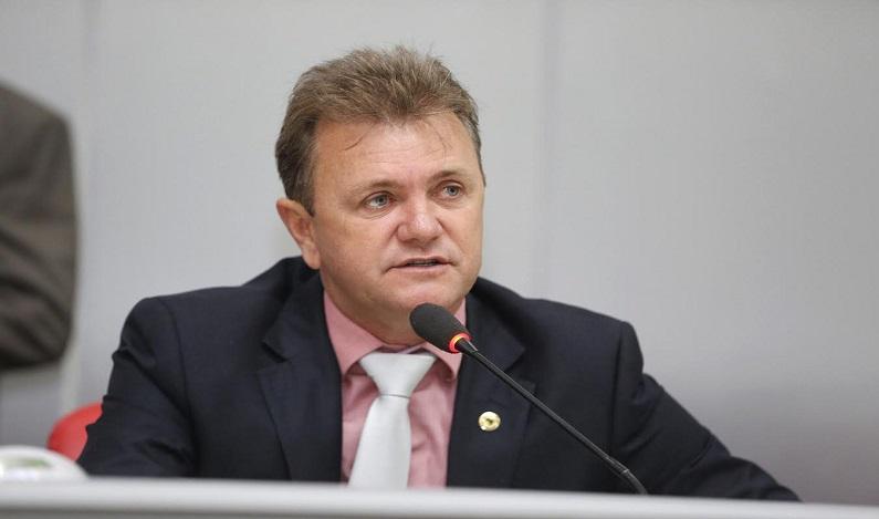 Luizinho Goebel quer construção de pontes em Espigão d'Oeste