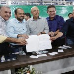 Maurão de Carvalho prestigia assinatura da ordem de serviço de nova ponte sobre o rio Urupá