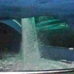 Tanque gigante de aquário inaugurado há um mês se rompe no México