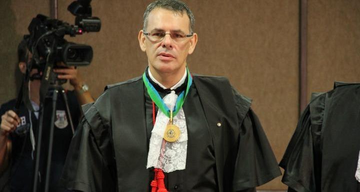 Desembargador Alexandre Miguel é empossado na presidência da Ameron