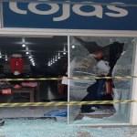 Loja de roupas é saqueada durante festa de carnaval na Zona Sul de Porto Velho