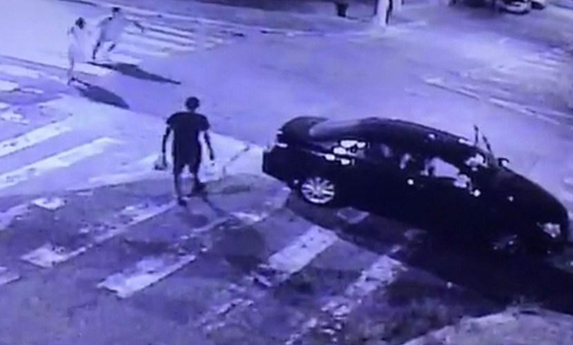 Justiça decreta prisão de mulher que atropelou e matou namorado; vídeo mostra briga