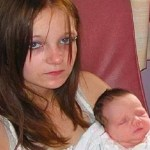 Estuprada pelo irmão, menina dá à luz aos 12 anos e perde guarda de bebê