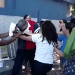 Mulheres agridem major que tentava sair de batalhão em Mesquita (RJ) ; veja o vídeo