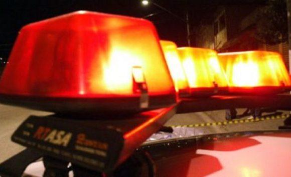 Pai e filha de 1 ano são mortos a tiros durante festa de aniversário da criança na BA; mãe sobreviveu