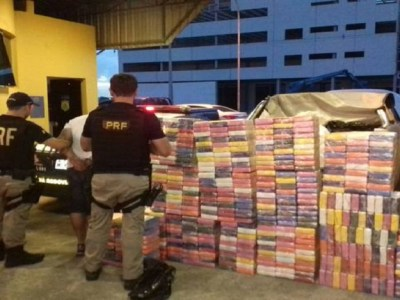 Em maior apreensão do ano, PRF prende homem com 545 kg de cocaína