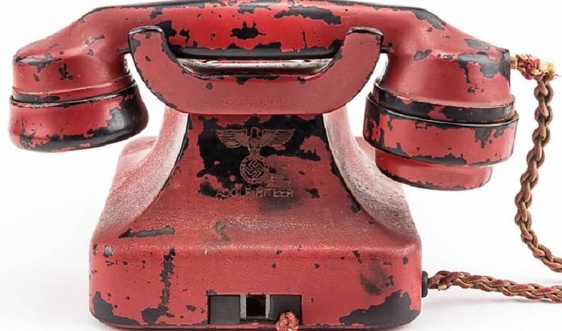 Telefone usado por Hitler para crimes de guerra é leiloado por US$ 243 mil