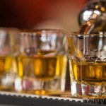 Jovem morre após beber garrafa de tequila em um só gole; vídeo