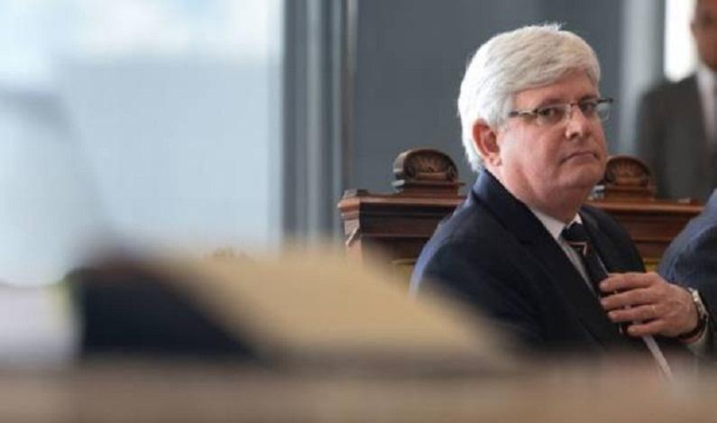 Ministros e aliados investigados no STF enfraquecem governo
