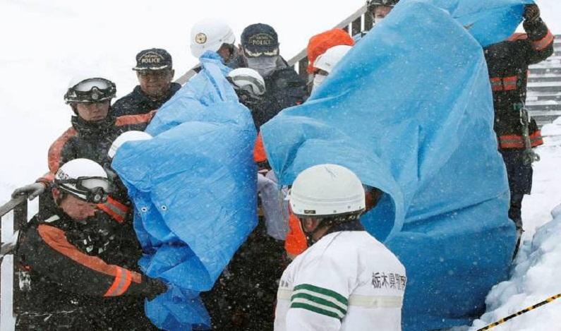 Avalanche mata pelo menos 8 adolescentes no Japão