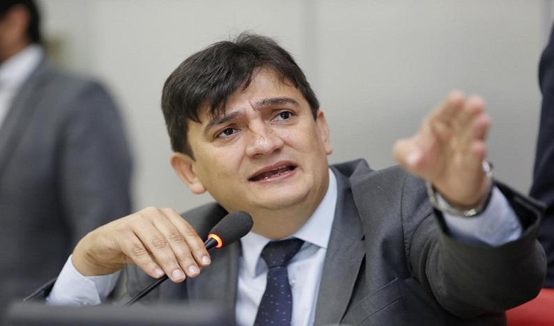 Cleiton Roque indica recuperação de ponte sobre o Rio Corgão