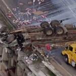 Caminhão colide com carro e capota em rodovia de SP