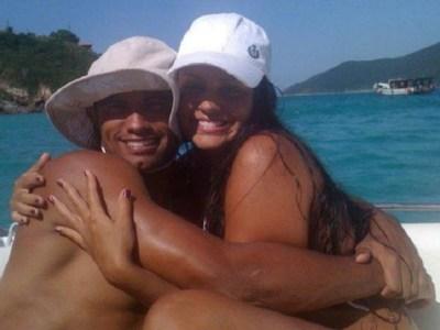 Goleiro Bruno já está na casa da mulher, no Rio
