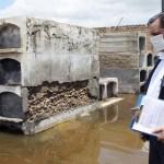 Deslizamentos no Peru destroem cemitério e arrastam dois mil corpos