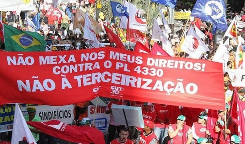 Empresários comemoram terceirização. Centrais sindicais preparam greve