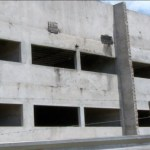 Obra parada orçada em R$ 10 milhões vira esconderijo de criminosos no TO