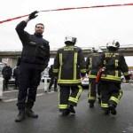 Homem rouba arma de militar e é morto em aeroporto de Paris