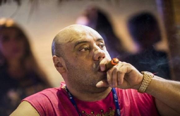 Joãozinho King torra 3 milhões de reais em camarote no Sambódromo