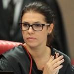 Ministra do TSE estuda antecipar voto a favor de cassação de Temer